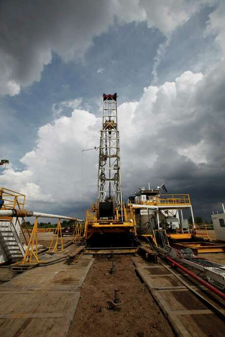 A walking rig drills in Colorado. Anadarko plans more wells there. Photo: Ed Andrieski, STF / AP