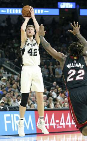 Davis Bretons takes an outside shot as the Spurs host Miami at the AT&T Center on October 14, 2016. Photo: TOM REEL, STAFF / SAN ANTONIO EXPRESS-NEWS / 2016 SAN ANTONIO EXPRESS-NEWS