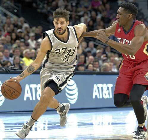 Nico Laprovittola breaks into the lane as the Spurs host the Pelicans at the AT&T Center on October 29, 2016. Photo: Tom Reel, Staff / San Antonio Express-News / 2016 SAN ANTONIO EXPRESS-NEWS
