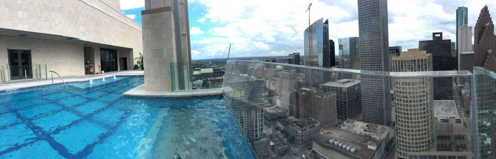 Market Square Tower's sky pool, on the 42 floor of the luxury apartment complex, at 777 Preston Street, featuring a glass-bottom, infinity pool, Monday,April 16, 2016 in Houston. ( Karen Warren / Houston Chronicle ) Photo: Karen Warren/Houston Chronicle