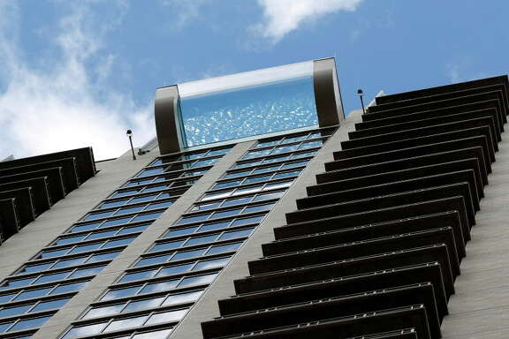 Market Square Tower's sky pool, on the 42 floor of the luxury apartment complex, at 777 Preston Street, featuring a glass-bottom, infinity pool, Wednesday,Nov. 2, 2016 in Houston.   ( Karen Warren / Houston Chronicle )