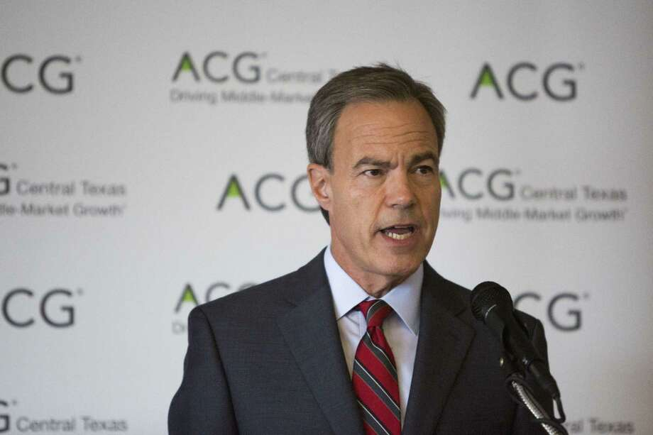 Speaker of the Texas House of Representatives Joe Straus speaks at a Association for Corporate Growth luncheon at the Plaza Club in San Antonio, Texas on September 27, 2016. Photo: Carolyn Van Houten / Carolyn Van Houten / 2016 San Antonio Express-News