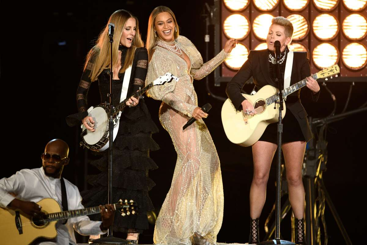 Beyonce and the Dixie Chicks at the CMAs on Wednesday.