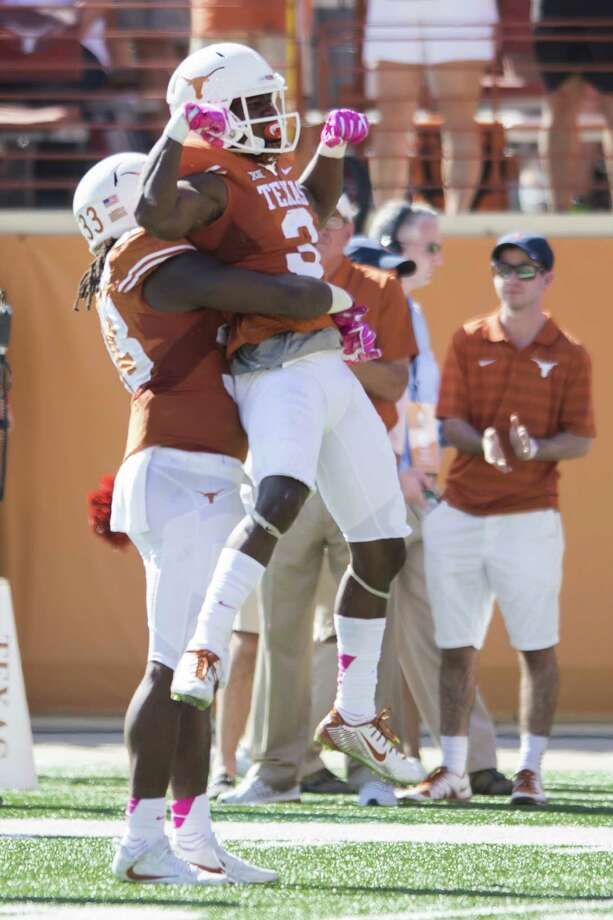 Texas' Armanti Foreman and his teammates haven't had much of anything to celebrate on the road this season, going 0-4. Photo: Cooper Neill, Stringer / 2016 Getty Images