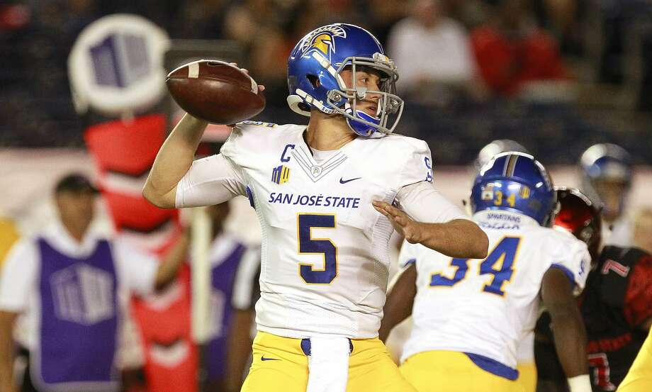 San Jose State quarterback Kenny Potter (5) throws a pass during the first quarter against San Diego State at Qualcomm Stadium in San Diego on Friday, Oct. 21, 2016. (Hayne Palmour IV/San Diego Union-Tribune/TNS) Photo: Hayne Palmour IV, TNS