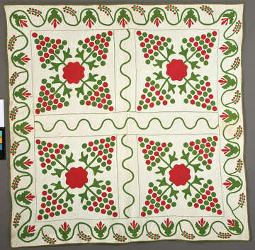 from the exhibit and book christmas quilts christmas memories at the 2016 international quilt festivalphoto international quilt festival - Christmas Memories Book