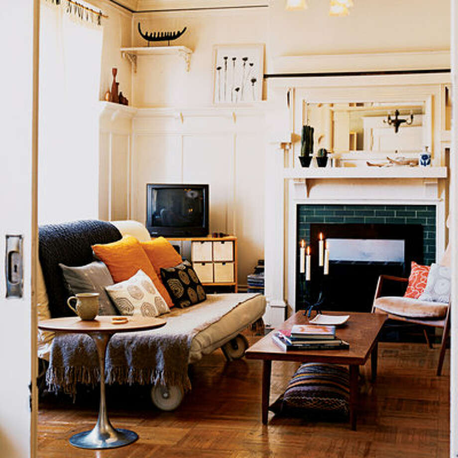 12 ways to maximize a small living room sfgate Maximize a small bedroom