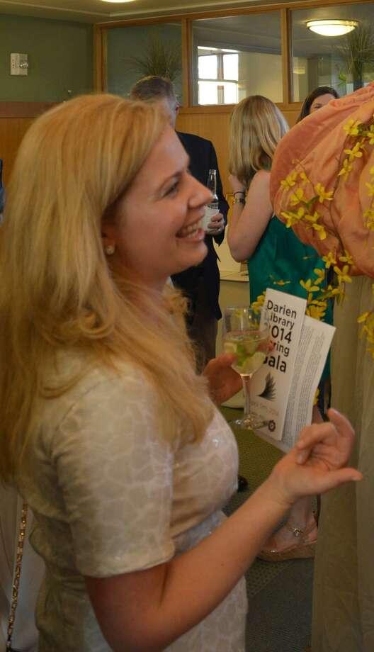 Tara Ochman attends the Darien Library's annual Spring Gala in 2014. Photo: Jarret Liotta / For The Darien News / Darien News Contributed