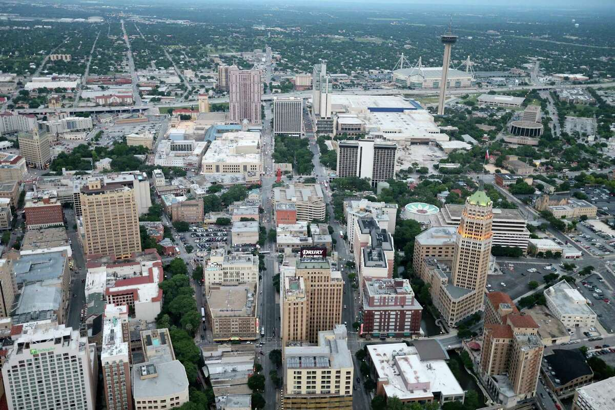 San Antonio's projected growth - a million more people by 2040 - poses transportation challenges for which a nonprofit group formed by Mayor Ron Nirenberg proposes solutions that focus on easier mobility.