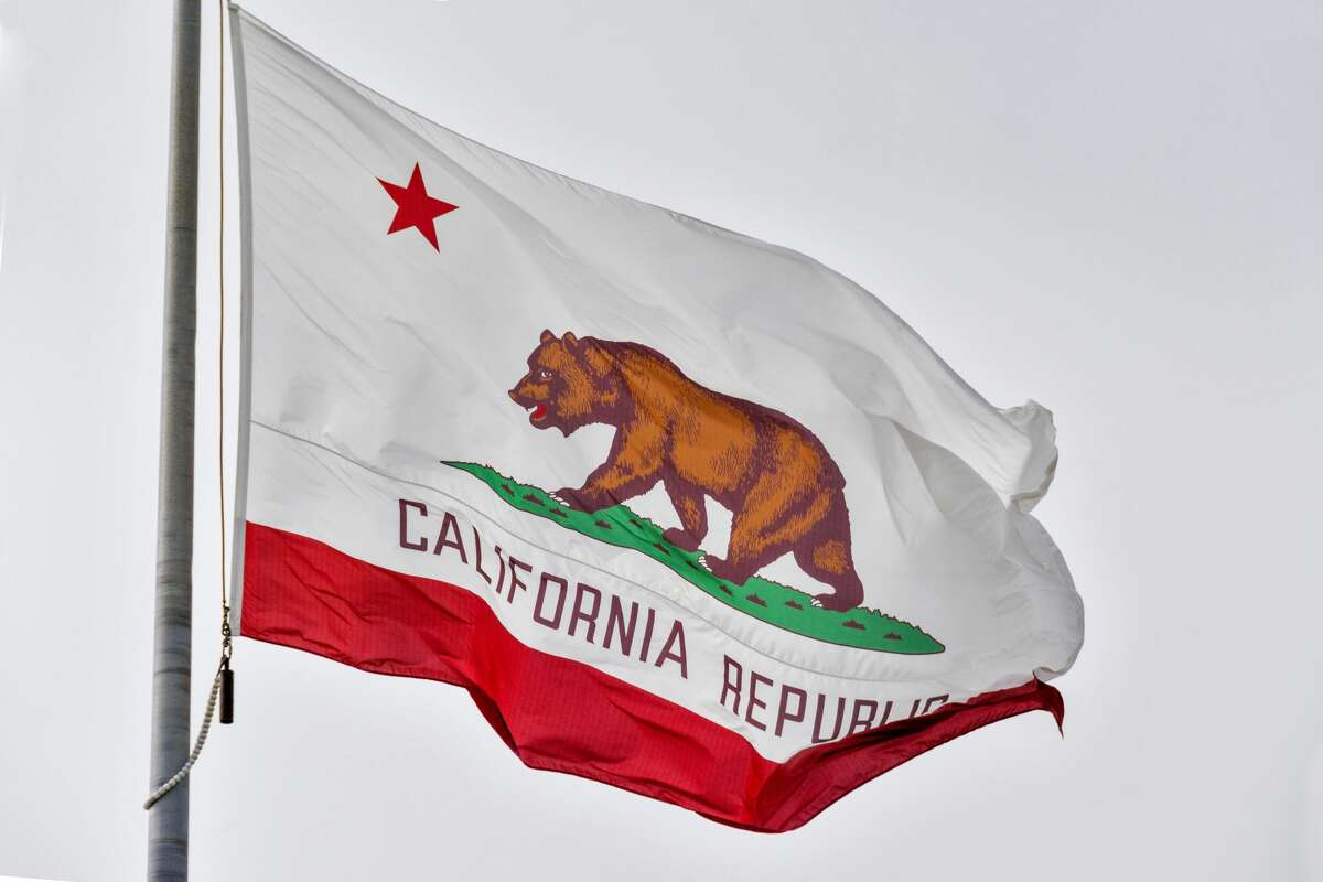 California State Flag (Izzet Keribar/Getty Images)