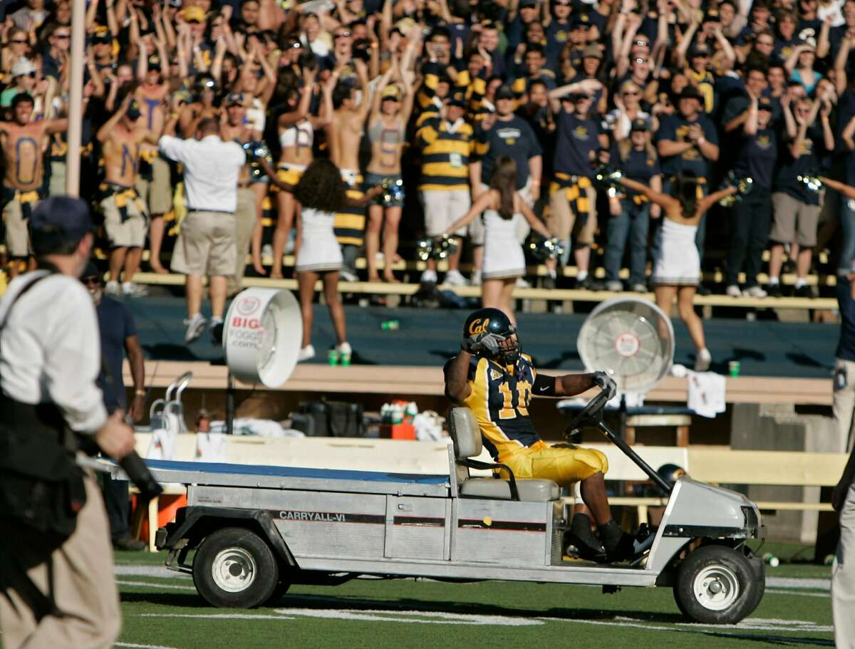 After the Cal wen Marshawn Lynch started driving one of the carts around the field. California Bears vs the Washington Huskies. KURT ROGERS/THE CHRONICLE BERKELEY THE CHRONICLE SFC CAL_0563_kr.jpg Ran on: 10-22-2006 Marshawn Lynch went for a quick spin, taking a load off his sore ankles after leading Cal to the win Saturday by scoring two late touchdowns.