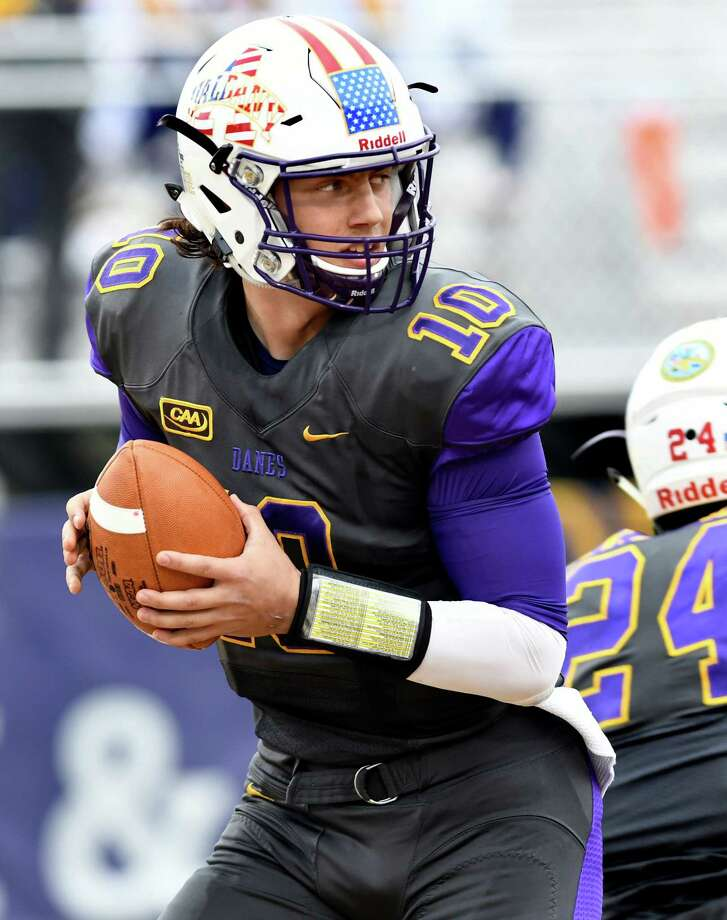 UAlbany quarterback Neven Sussman looks for an open man during their football game against Delaware on Saturday, Nov 5, 2016, at Casey Stadium in Albany, N.Y. (Cindy Schultz / Times Union) Photo: Cindy Schultz / Albany Times Union