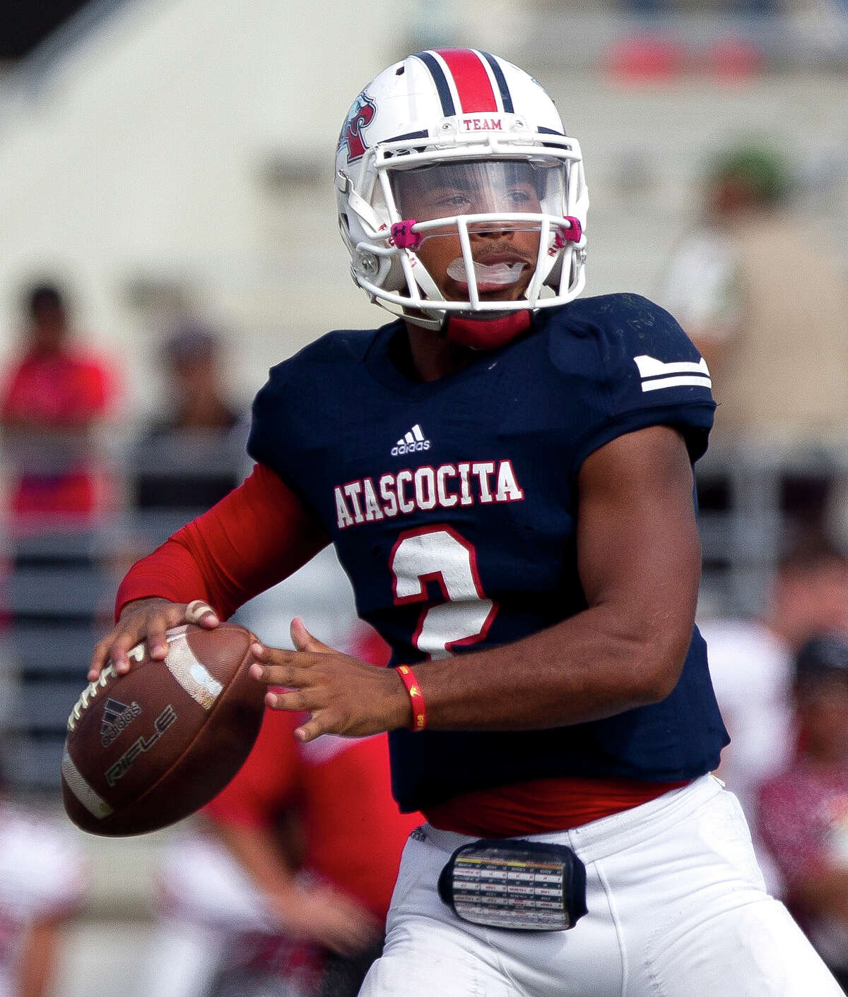 Atascocita quarterback Daveon Boyd (2) drops back to pass during the second quarter of a District 21-6A high school football game at Turner Stadium Saturday, Nov. 5, 2016, in Humble.