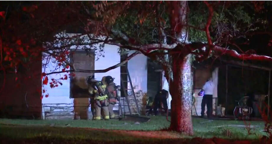 Houston firefighters responded to a house fire at Vera Lou in the wee hours of Sunday morning. Photo: Metro Video