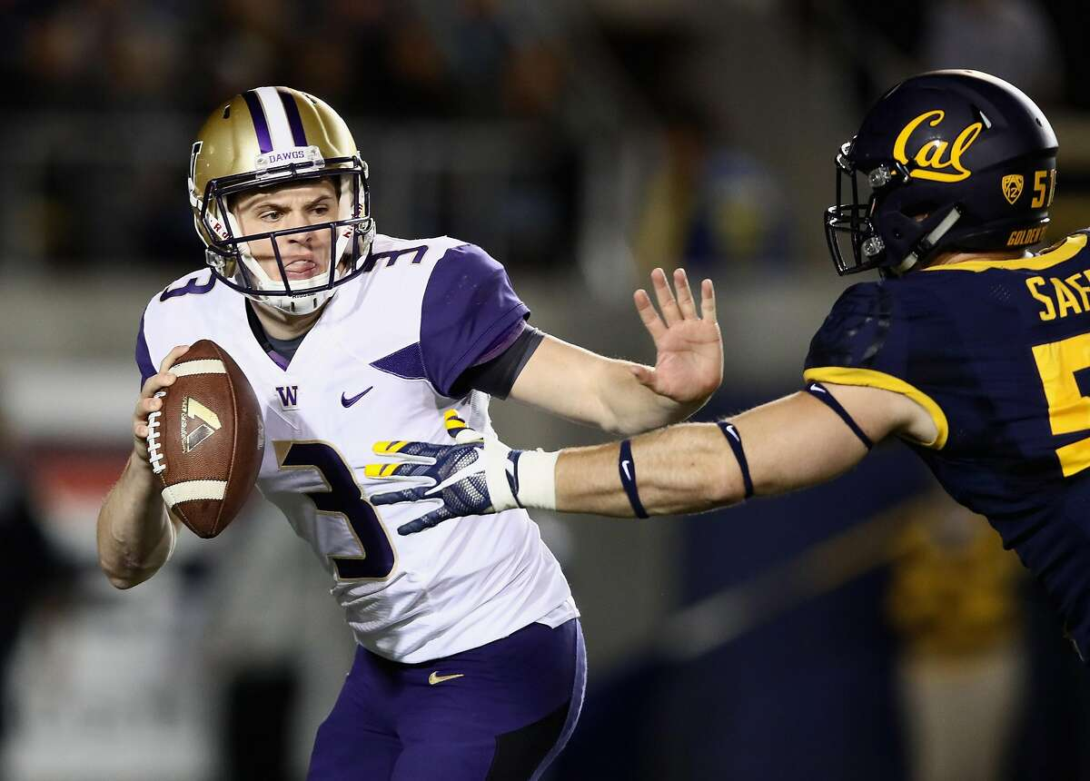 BERKELEY, CA - NOVEMBER 05: Jake Browning #3 of the Washington Huskies is pressured by Cameron Saffle #51 of the California Golden Bears at California Memorial Stadium on November 5, 2016 in Berkeley, California. (Photo by Ezra Shaw/Getty Images)