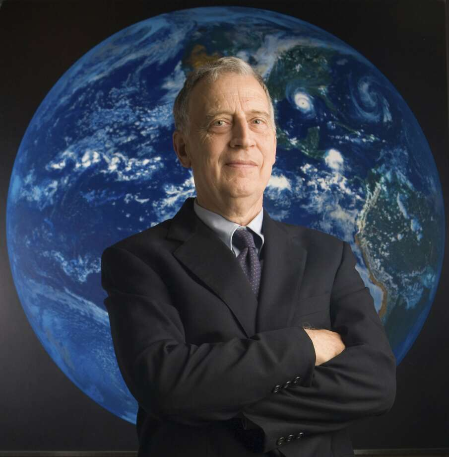 Ralph Cicerone was among the first to issue an alarm on the disappearance of the ozone layer. Photo: Mark Finkenstaedt, Associated Press