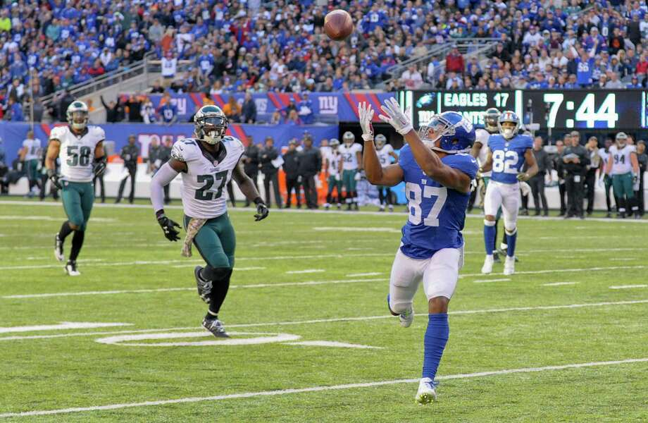 New York Giants wide receiver Sterling Shepard (87) makes a catch for a touchdown against the Philadelphia Eagles during the third quarter of an NFL football game, Sunday, Nov. 6, 2016, in East Rutherford, N.J. (AP Photo/Bill Kostroun) ORG XMIT: ERU132 Photo: Bill Kostroun / FR51951 AP