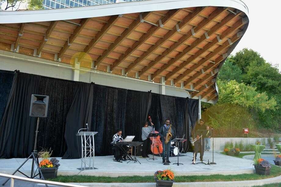 The Campbell Memorial Terrace honors Midland native David Campbell, who died in 2014. Campbell was president of the McGregor Fund and founding member of the Detroit RiverFront Conservancy. The Terrace is a small-scale outdoor performance space, in Detroit, which features a covered stage and tiered concrete seat walls for spectators.