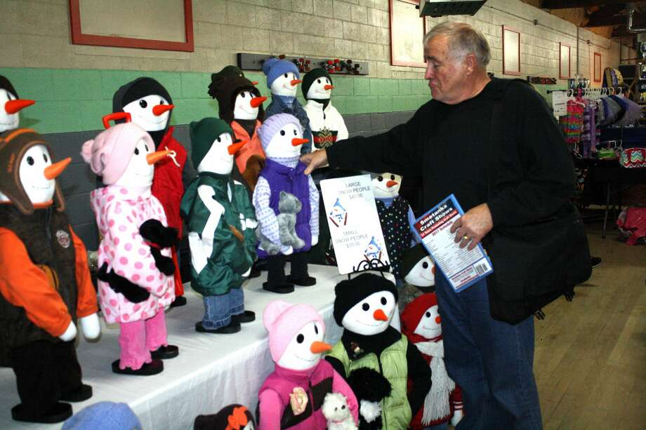 The Holly Berry Fair was held Saturday, as well as a Poor Man's Craft Show at the Caseville Roller Rink. Photo: Rich Harp/For The Tribune