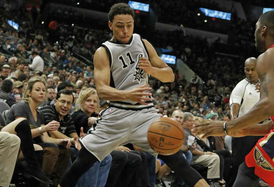 Bryn Forbes of the Spurs tries to save a ball from going out of bounds during against the New Orleans Pelicans at the AT&T Center on Oct. 29, 2016 in San Antonio. Photo: Ronald Cortes /Getty Images / 2016 Getty Images