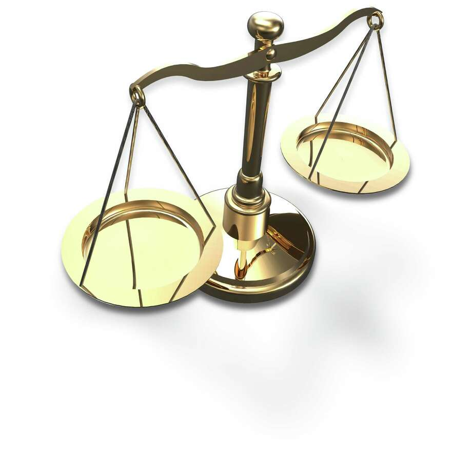 Scales as symbol of law justice court fairness choice 3D render with clipping path Photo: Michael Brown / Michael Brown - Fotolia