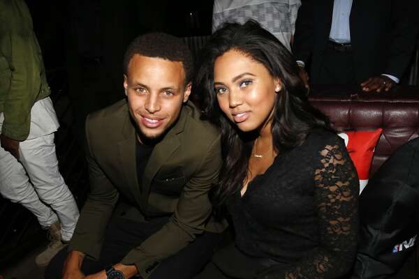 NEW YORK, NY - SEPTEMBER 21: (L-R) Stephen Curry and Ayesha Curry attend the NBA 2K16 Premiere at Marquee on September 21, 2015, in New York City.