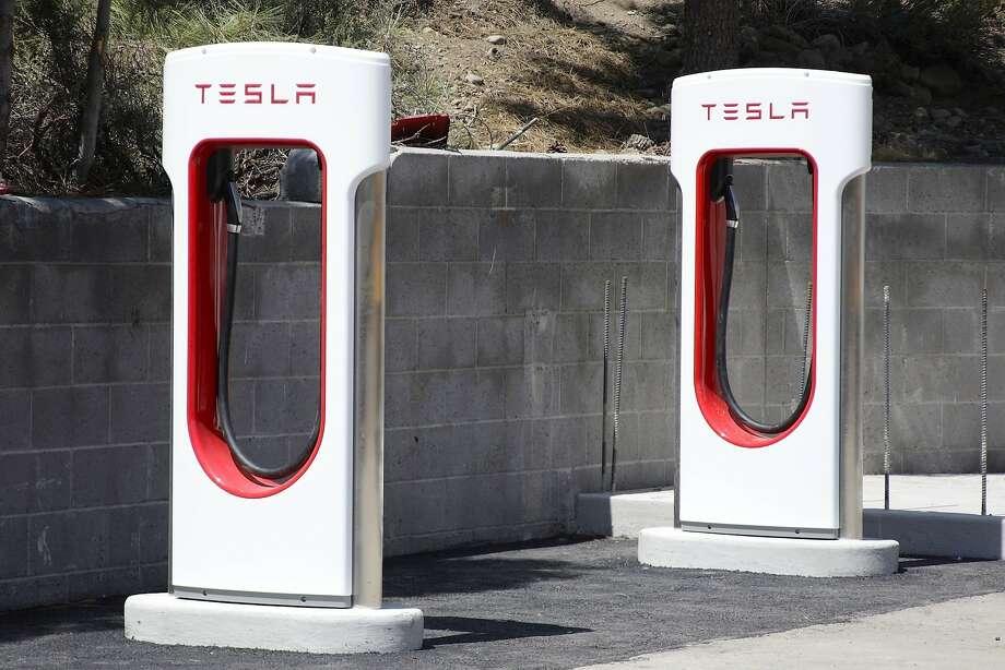 Tesla Motors charging stations neat Truckee, Calif.  Photo: Margaret Moran, Associated Press