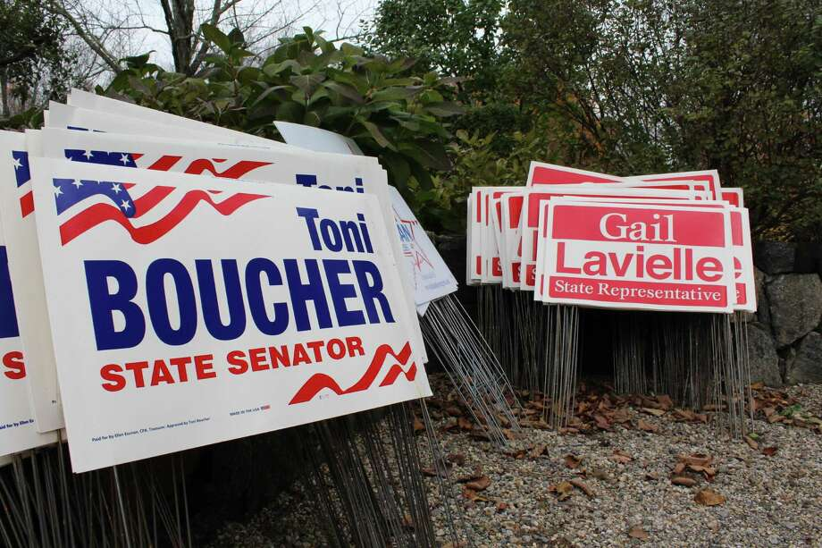 Political campaign signs Photo: /