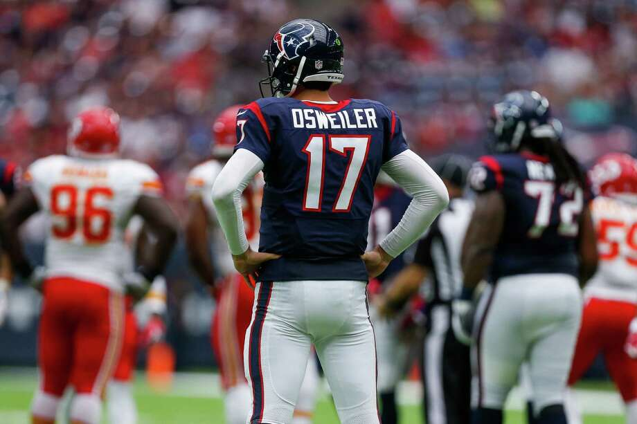 Quarterback Brock Osweiler begins the second half of his first Texans season Sunday in Jacksonville after a less-than-inspiring first eight games. Photo: Michael Ciaglo, Staff / © 2016  Houston Chronicle