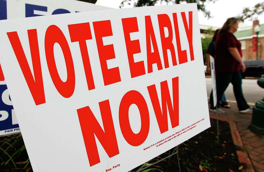 Early voting turnout as reached record numbers at polling locations across Montgomery County. Photo: Jason Fochtman, Staff Photographer / Houston Chronicle