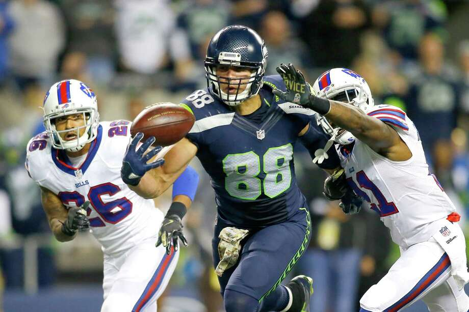 SEATTLE, WA - NOVEMBER 07:  Tight end Jimmy Graham #88 of the Seattle Seahawks brings in another one-handed touchdown against the Buffalo Bills at CenturyLink Field on November 7, 2016 in Seattle, Washington.  (Photo by Jonathan Ferrey/Getty Images) ORG XMIT: 663934397 Photo: Jonathan Ferrey / 2016 Getty Images
