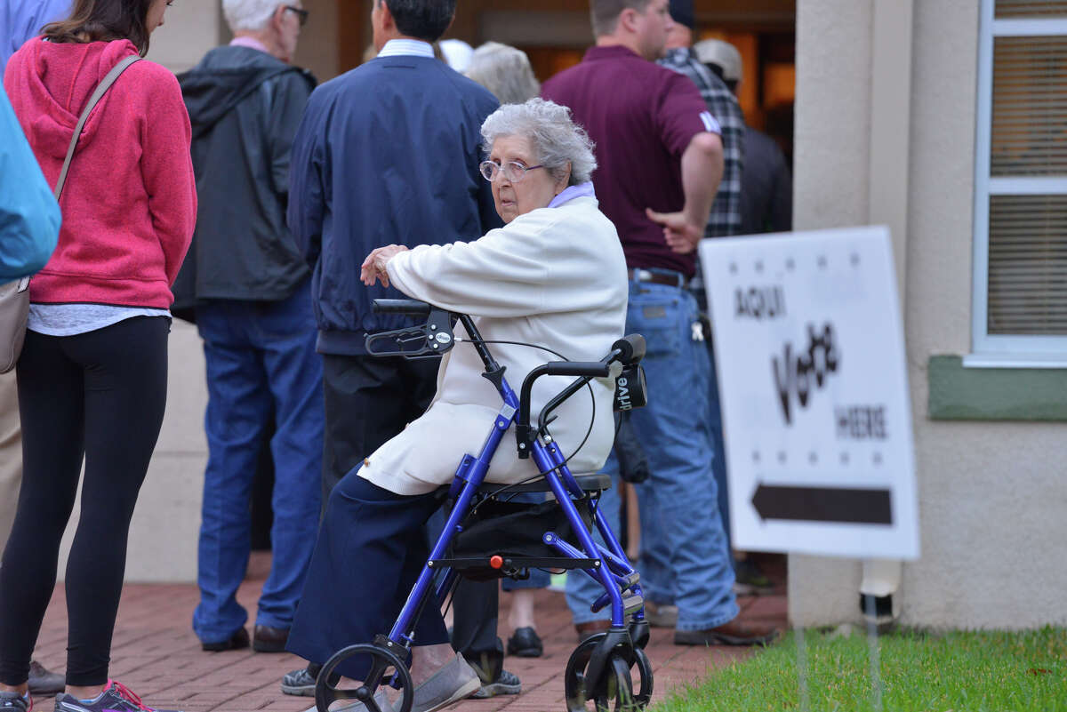 Click through the slideshow to see the polling sites with the most amount of voters. 10. Tobin Library 4134 Harry Wurzbach Road Wednesday voters: 900 Cumulative: 11,499