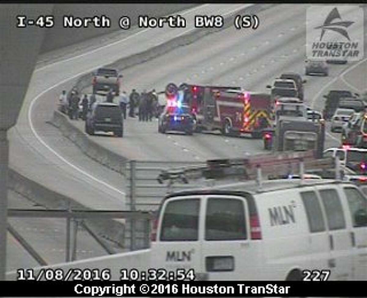 One person died in in a traffic crash about 10:20 a.m. Tuesday, Nov. 8, 2016, on the inbound North Freeway near the Sam Houston Parkway. (Houston TranStar)