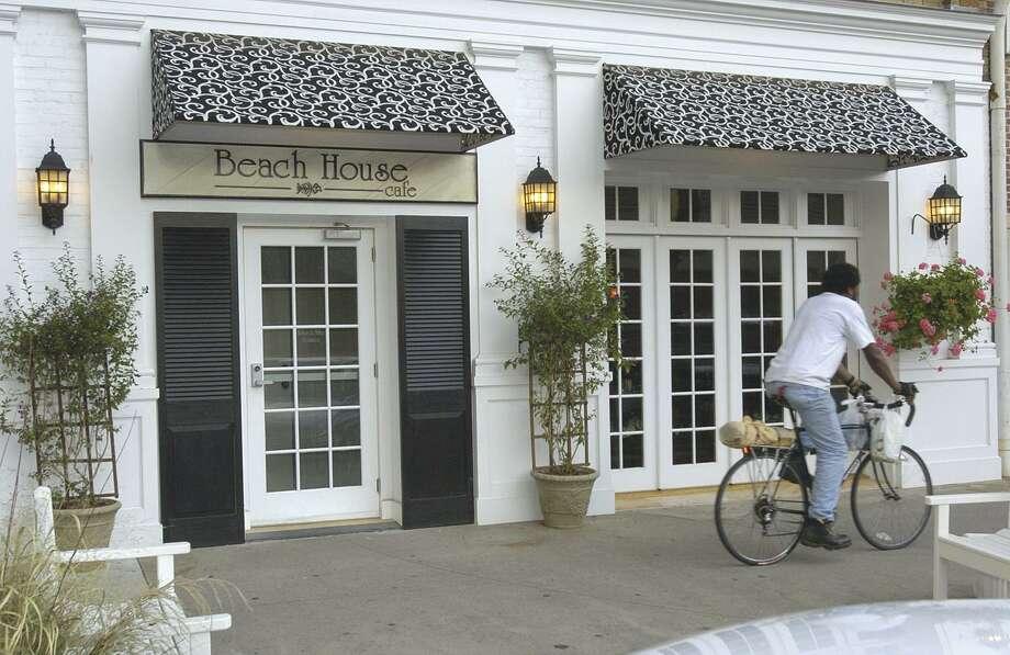 Beach House Café220 Sound Beach Avenue, Old GreenwichScored 100 onMarch27, 2017 Photo: File Photo / File Photo / Greenwich Time File Photo