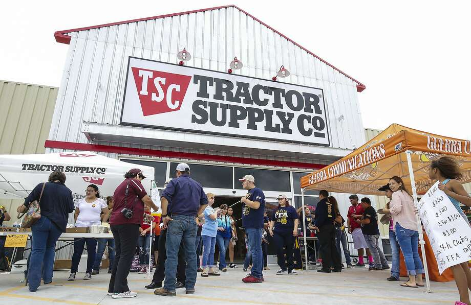 Click through this slideshow for a list of stores that let you shop with your dog.Tractor Supply Co. Photo: Victor Strife, Laredo Morning Times