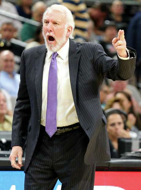 Spurs coach Gregg Popovich looks for a call during first half action against the Los Angeles Clippers on Nov. 5, 2016 at the AT&T Center. Photo: Edward A. Ornelas /San Antonio Express-News / © 2016 San Antonio Express-News