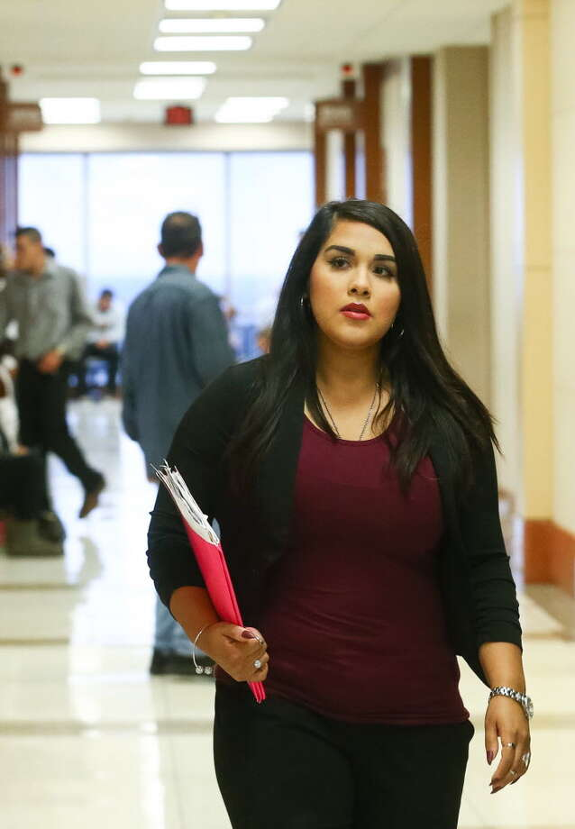 Alexandria Vera, 25, a former Aldine ISD teacher accused of having a sexual relationship with a student, walks into court Wednesday, Nov. 9, 2016, in Houston. Photo: Jon Shapley / Houston Chronicle
