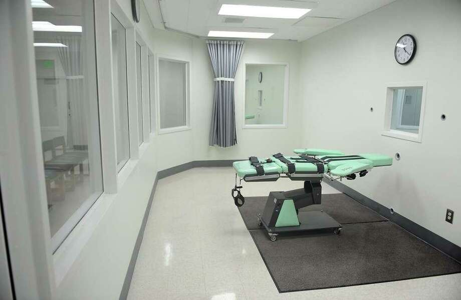 A view of the lethal injection chamber at San Quentin State Prison in a September 2010 file image. Photo: Wally Skalij / TNS / Wally Skalij / TNS