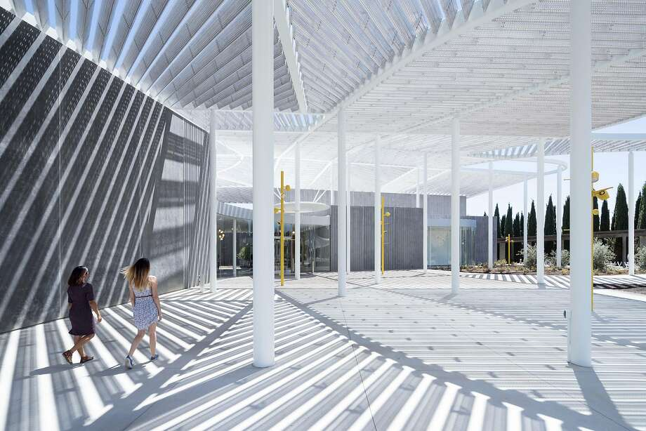 Events Plaza at the entrance to the new Jan Shrem and Maria Manetti Shrem Museum of Art Photo: Iwan Baan, Courtesy SO�IL And Bohlin Cywinski Jackson