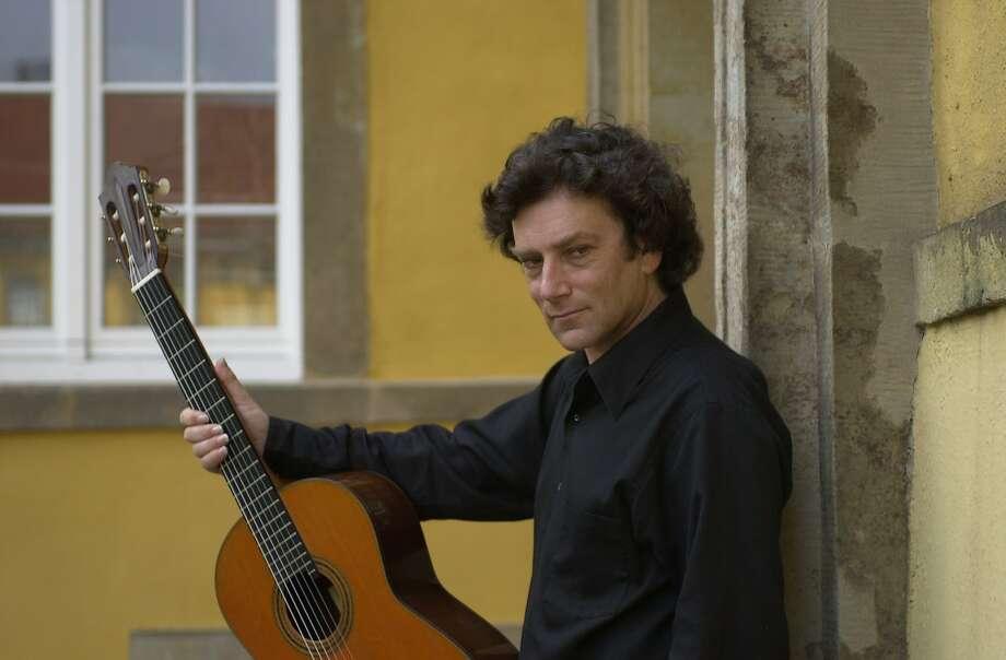 David Tanenbaum will perform new works by Aaron Jay Kernis and Sérgio Assad at St. Mark's Lutheran Church. Photo: Courtesy�David Tanenbaum