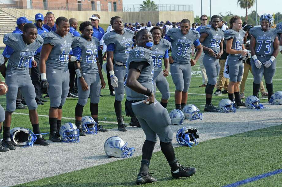 Willie Price had the chance to perform his victory dance six times this season as Willowridge made the playoffs for the first time since 2009. Photo: Craig Moseley, Staff / ©2016 Houston Chronicle