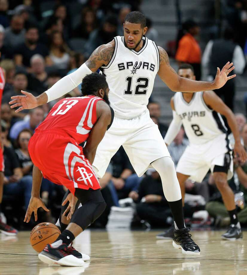 Spurs forward LaMarcus Aldridge has averaged 20.9 points in his career against the Rockets, the fourth-most he has averaged against any opponent. Photo: Kin Man Hui, San Antonio Express-News / ©2016 San Antonio Express-News