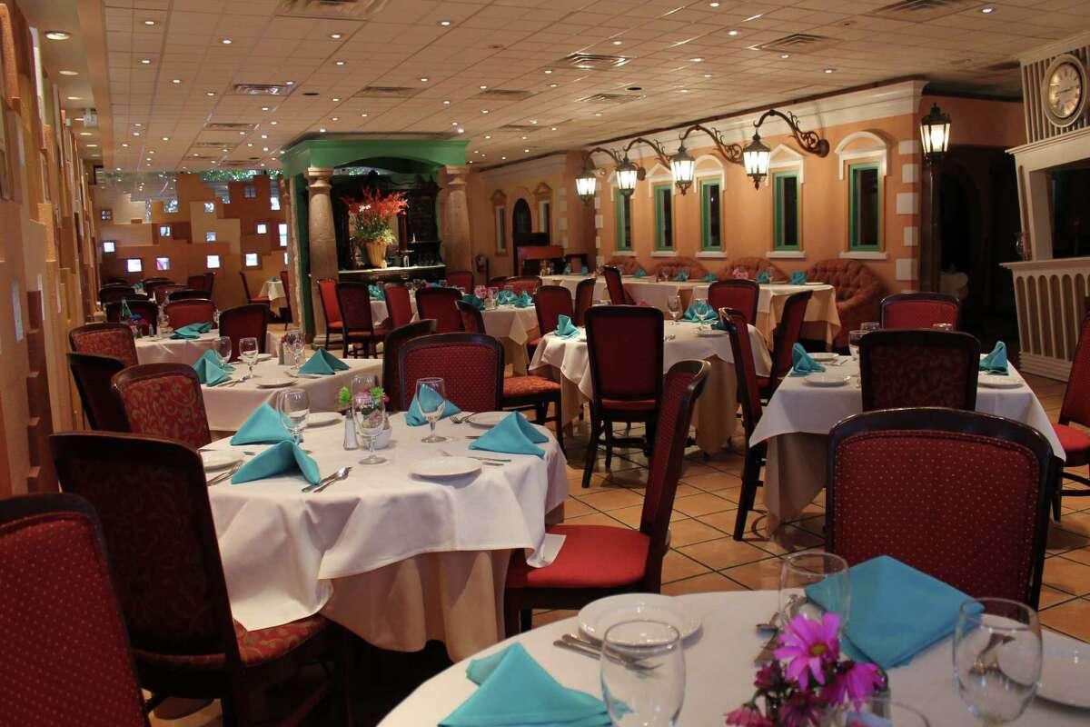 The dining room at Carmelo's Ristorante Italiano.