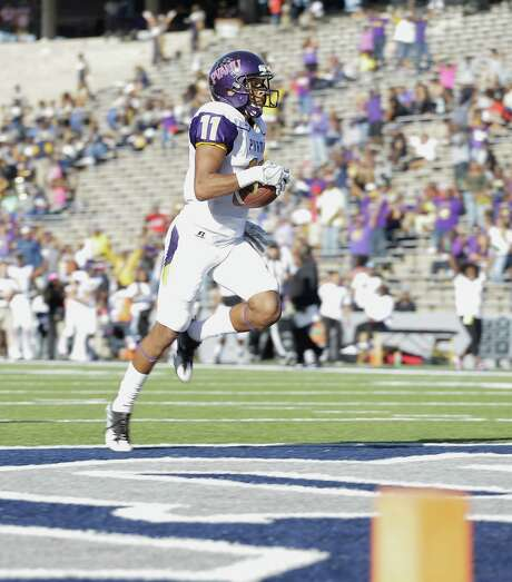 HOUSTON, TX - OCTOBER 22:  Darius Floyd #11 of the Prairie View Am Panthers scores in the third quarter against the Rice Owls`at Rice Stadium on October 22, 2016 in Houston, Texas.  (Photo by Bob Levey/Getty Images) Photo: Bob Levey, Stringer / 2016 Getty Images