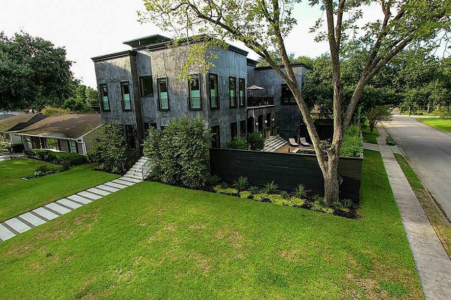 Houston: 2202 SaxonListing price: $1.199 million Photo: Houston Association Of Realtors