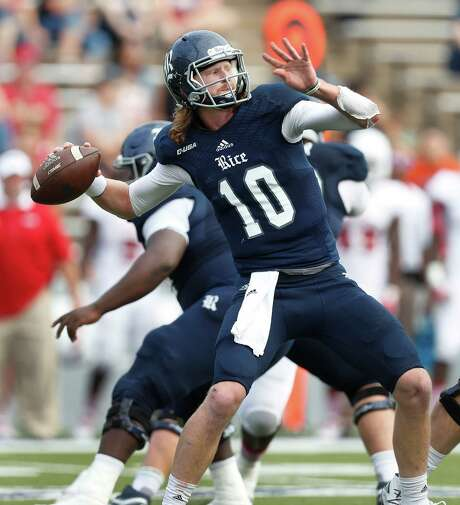 Rice Owls quarterback Tyler Stehling (10) passes the ball during the second quarter of a college football game at Rice Stadium, Saturday,Nov. 5, 2016 in Houston.   ( Karen Warren / Houston Chronicle ) Photo: Karen Warren, Staff Photographer / 2016 Houston Chronicle