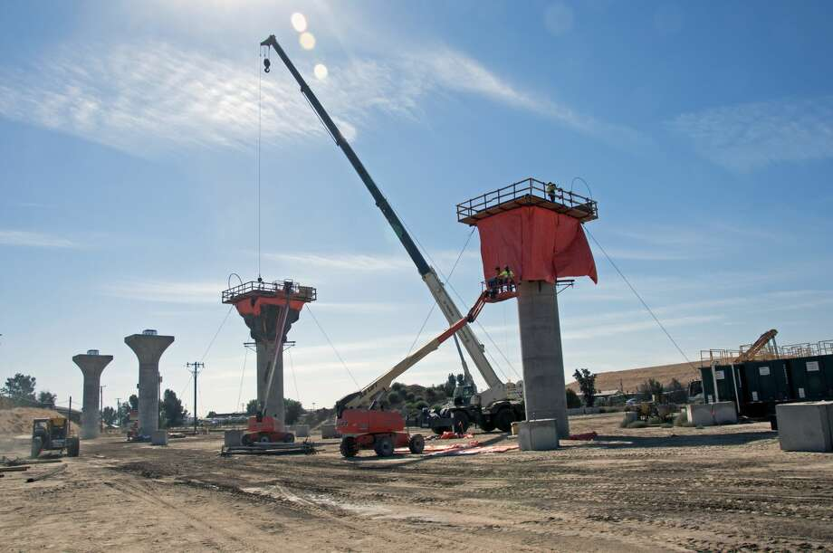 Construction continues on the Cedar Viaduct for the high-speed rail system in South Fresno in Madera County in October 2016. Photo: Courtesy California High Speed Rail Assn.
