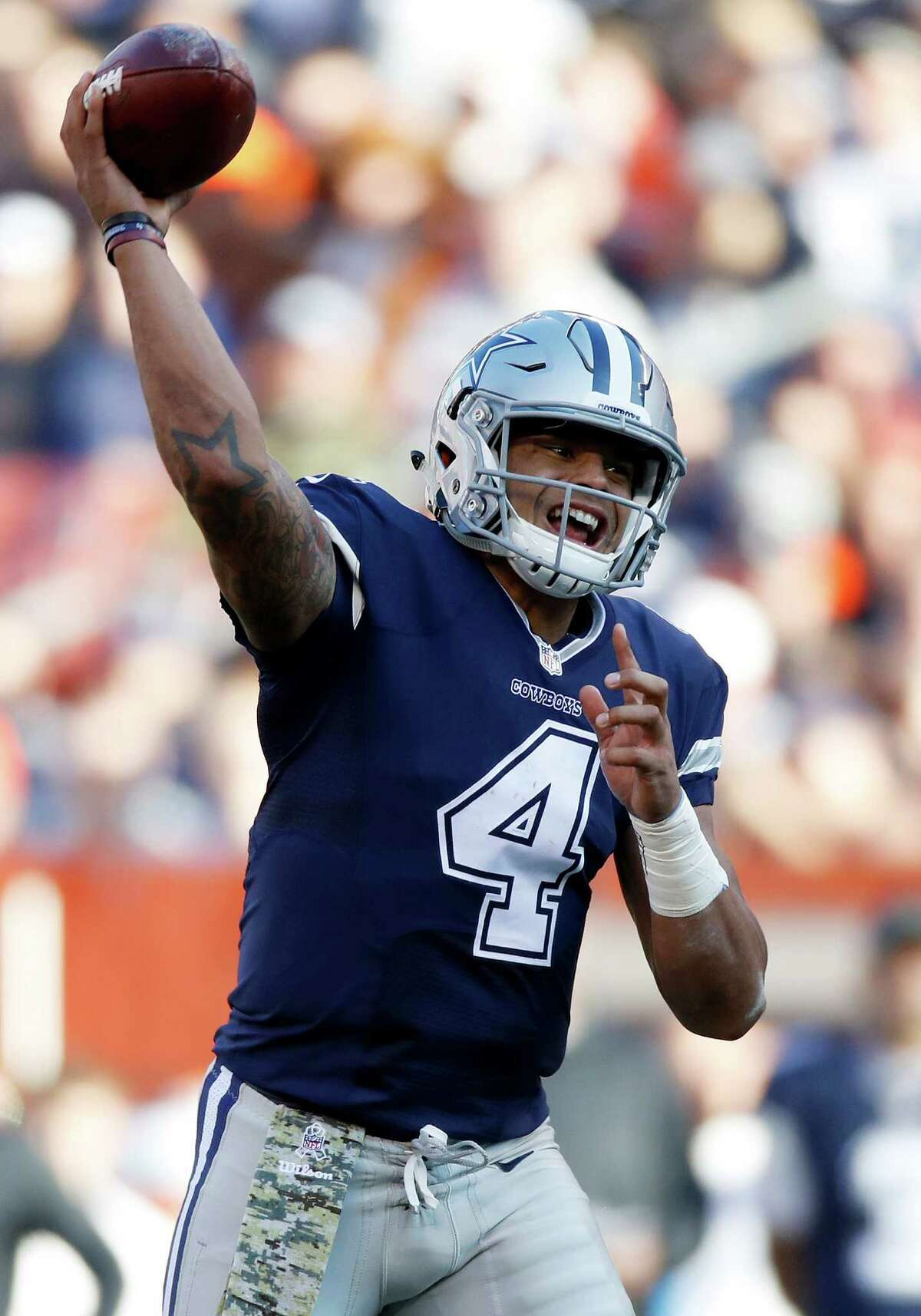 CLEVELAND, OH - NOVEMBER 06: Dak Prescott #4 of the Dallas Cowboys looks to pass against the Cleveland Browns at FirstEnergy Stadium on November 6, 2016 in Cleveland, Ohio. (Photo by Gregory Shamus/Getty Images)