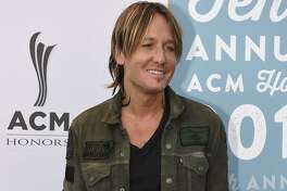 Keith Urban poses for a photo at the 10th Annual ACM Honors at Ryman Auditorium on Tuesday, Aug. 30, 2016, in Nashville, Tenn. (Photo by Sanford Myers/Invision/AP)