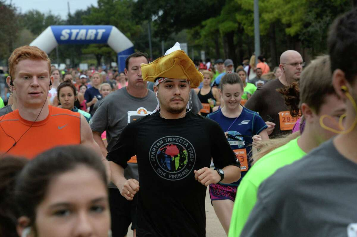 Hundreds of runners turn out for the 2015 Katy Family YMCA Turkey Trot. This Thanksgiving's race is expected to draw a large crowd.